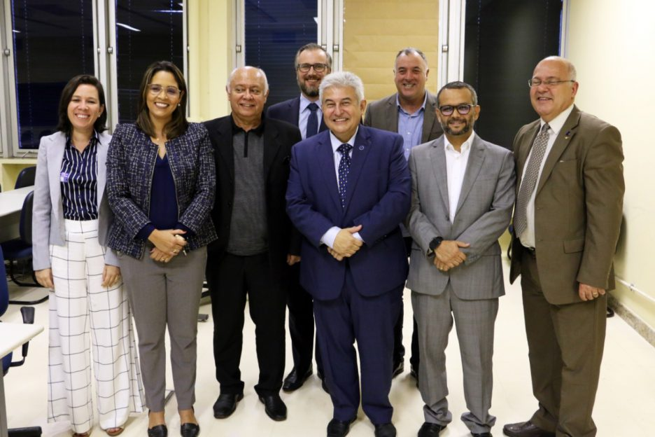Comitiva do LAIS discute ações de inovação com o ministro Marcos Pontes