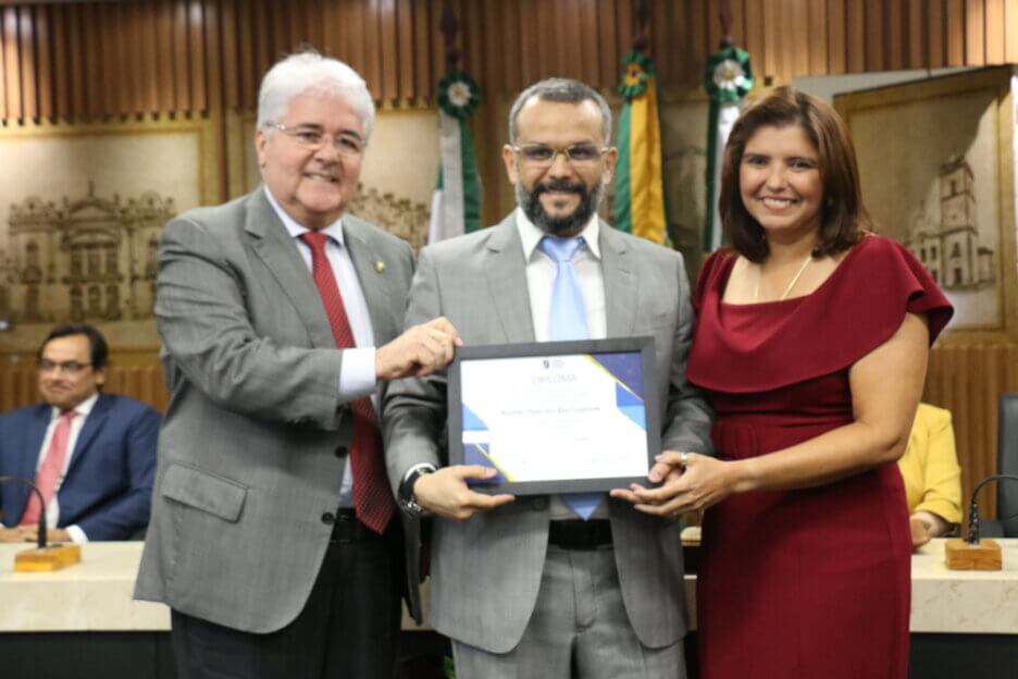 Câmara Municipal de Natal homenageia coordenador do LAIS pelo Dia do Engenheiro