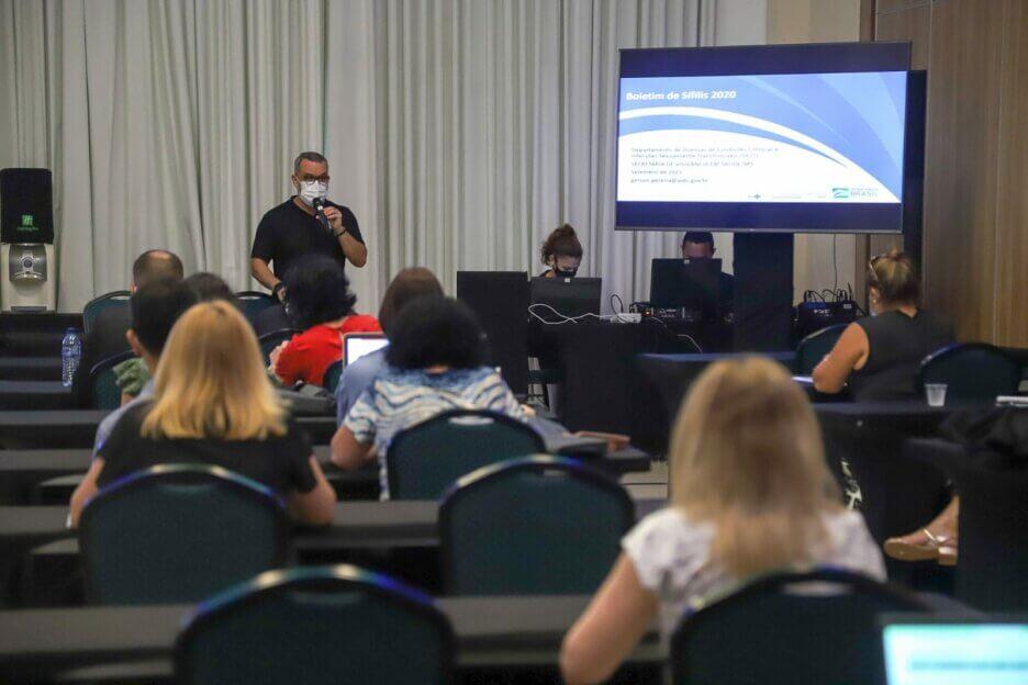 """LAIS e Ministério da Saúde discutem resultados e planejamento para o projeto """"Sífilis Não"""""""